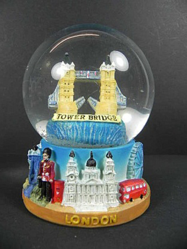 london tower bridge schneekugel 11 cm big ben buckingham snowglobe neu ebay. Black Bedroom Furniture Sets. Home Design Ideas
