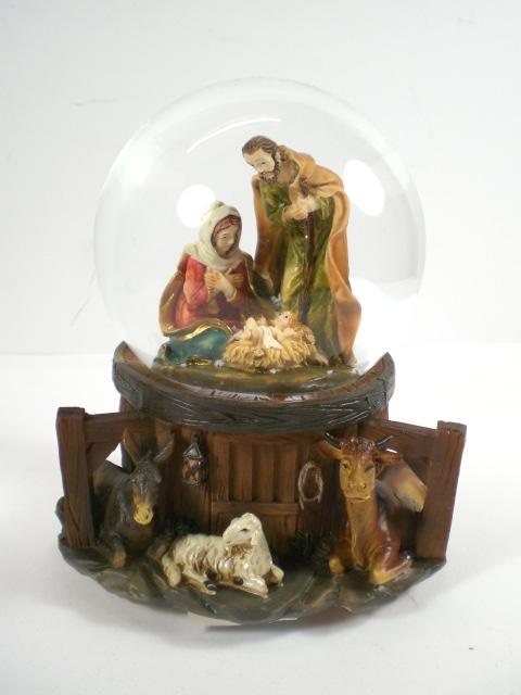 schneekugel weihnachten heilige familie jesus spieluhr ebay. Black Bedroom Furniture Sets. Home Design Ideas