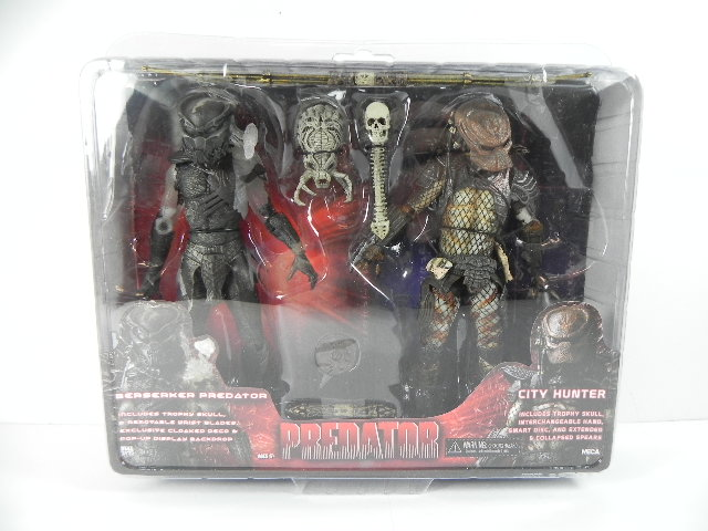 PREDATORS-Movie-Berserker-Predator-2-City-Hunter-2-Figuren-je-18-cm-NEU