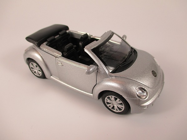 vw volkswagen new beetle cabrio silber scale 1 32 modellauto diecast metall ebay. Black Bedroom Furniture Sets. Home Design Ideas