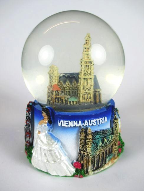 Wien Schneekugel