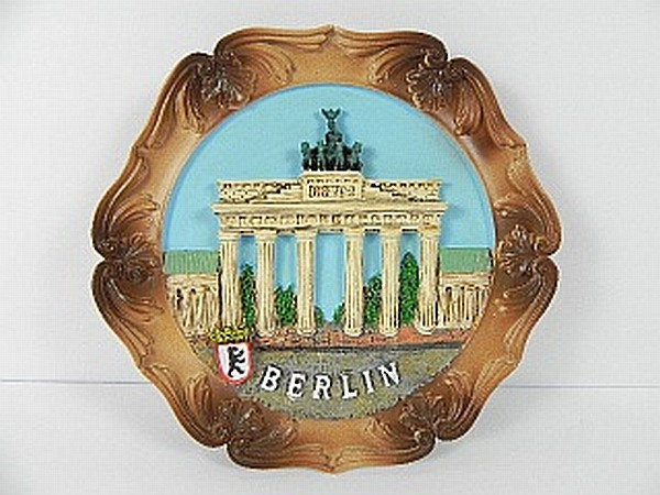 BERLIN-Germany-Wandteller-Brandenburger-Tor-Souvenir-Deutschland-13-5-cm-NEU