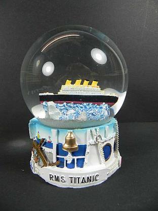 Schneekugel-Schiff-Titanic-Kreuzfahrtschiff-grosser-Snowglobe-12-cm