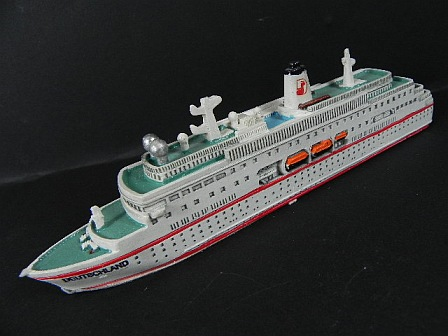 Schiff-Modell-Kreuzfahrtschiff-MS-Deutschland-22cm-Polyresin-maritime-Kollektion