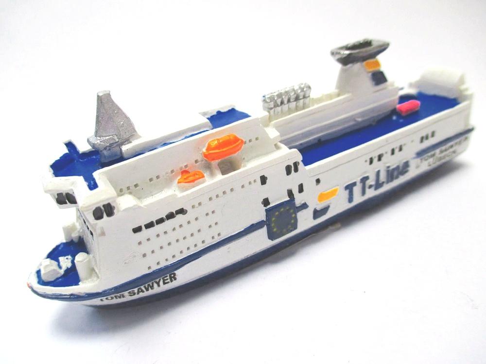 Schiff Fähre Tom Sawyer Lübeck TT Line 12 cm Poly Modell Neu