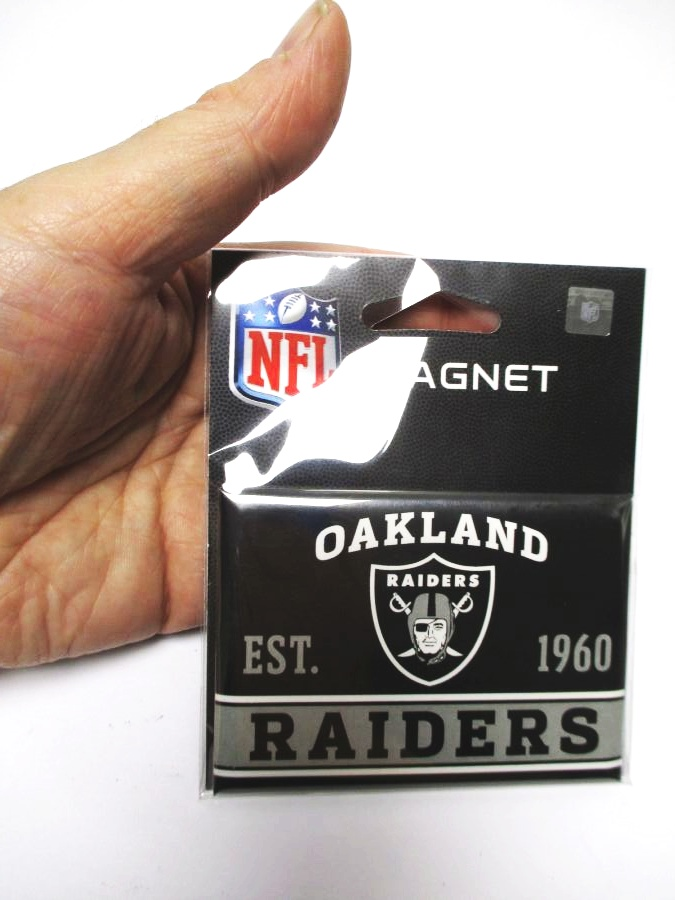 oakland raiders foto magnet mit logo nfl football team. Black Bedroom Furniture Sets. Home Design Ideas