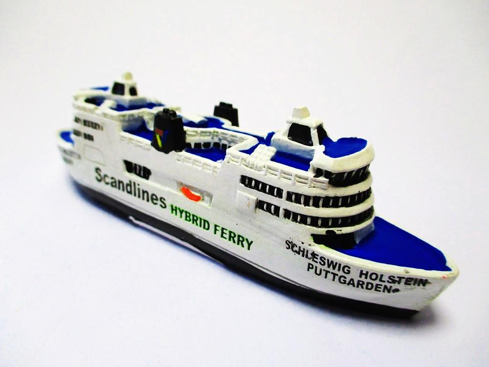 Schiff Modell Hybrid Ferry Fähre 12 cm Poly Puttgarden Scandlines