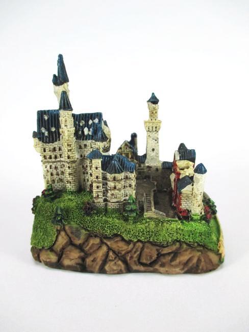 Château Neuschwanstein pieds Bavière GERMANY Souvenir 8 cm Poly Modèle NEUF