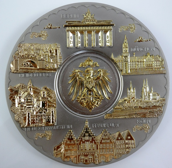 Dresden Frauenkirche Semperoper Zwinger Souvenir Wandteller Teller Germany 19 cm